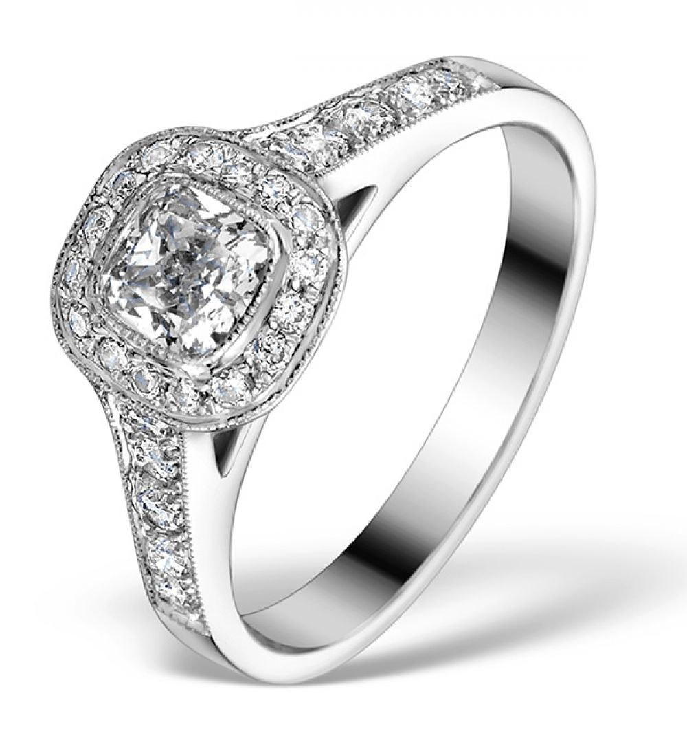 18K White Gold 0.90ct Diamond Solitaire Ring. 0.50ct Centre Stone and 0.40ct Shoulders.