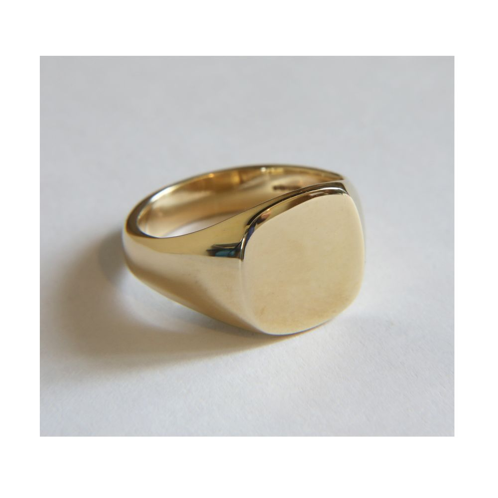 SALE 9ct Yellow Gold Cushion shaped Signet Rings 12x11mm 7.6g